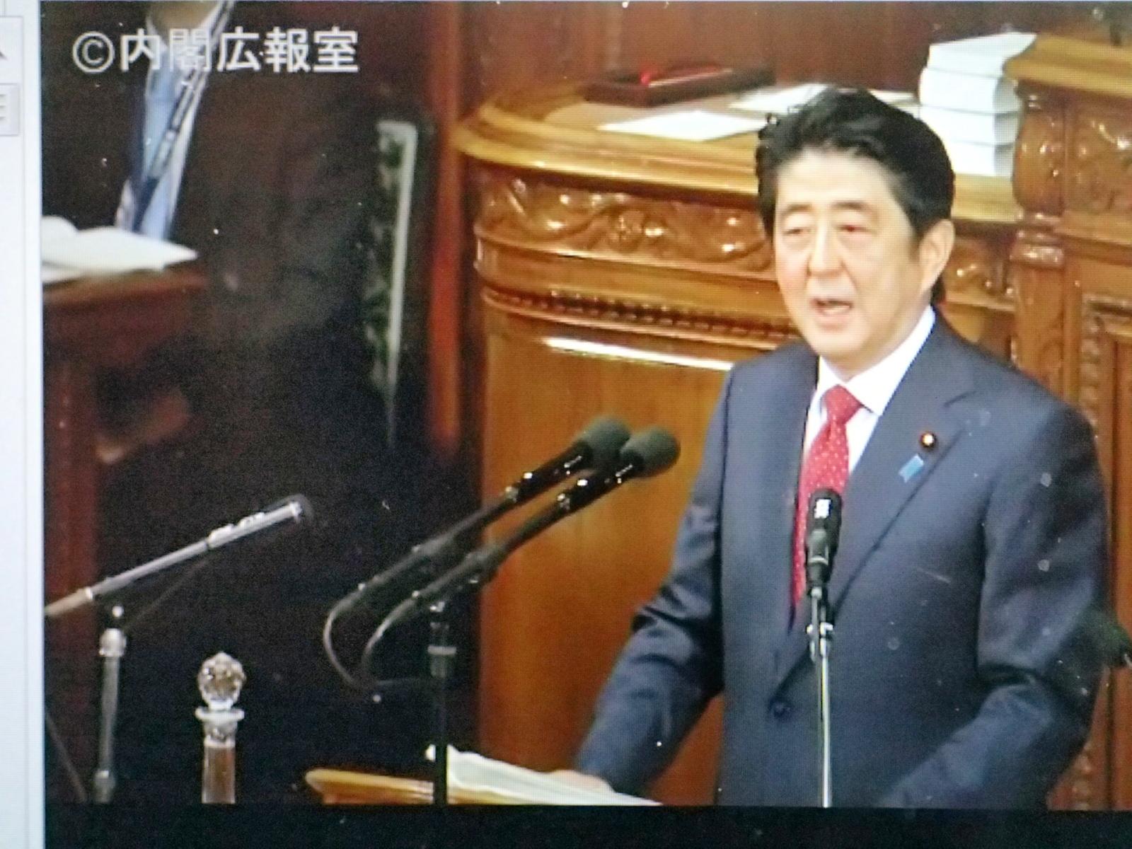 安倍首相演説シーン